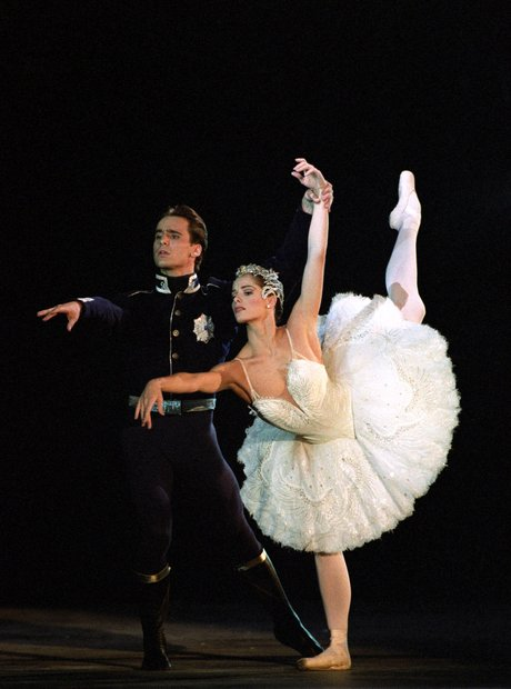 swan-lake-darcy-bussell-1343920548-view-1
